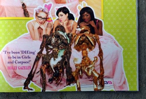 """Models mit Leichen auf Bett: Ein typisches Motiv aus """"Girls & Corpses"""""""